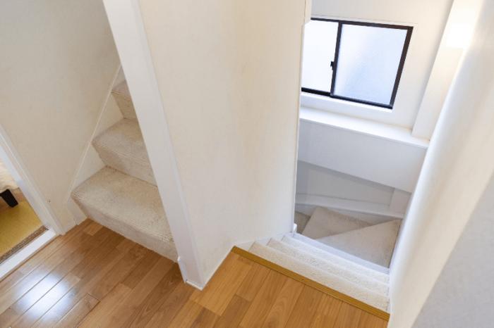 メゾネット住戸の階段